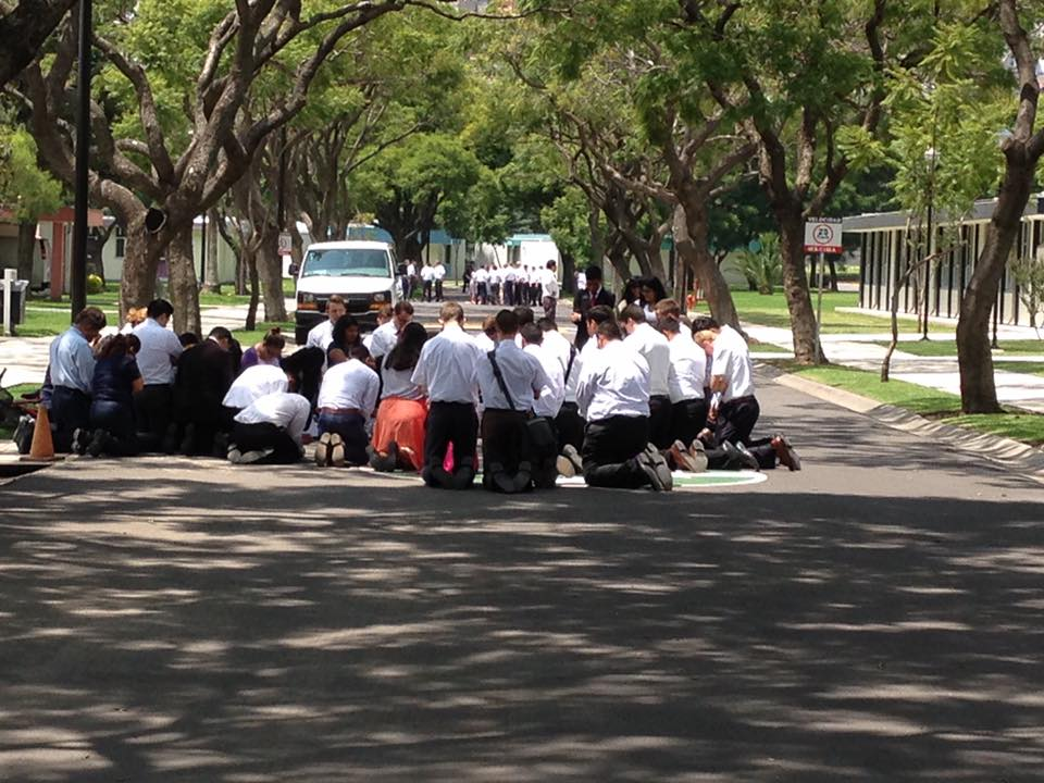 mexico mtc missionaries praying earthquake